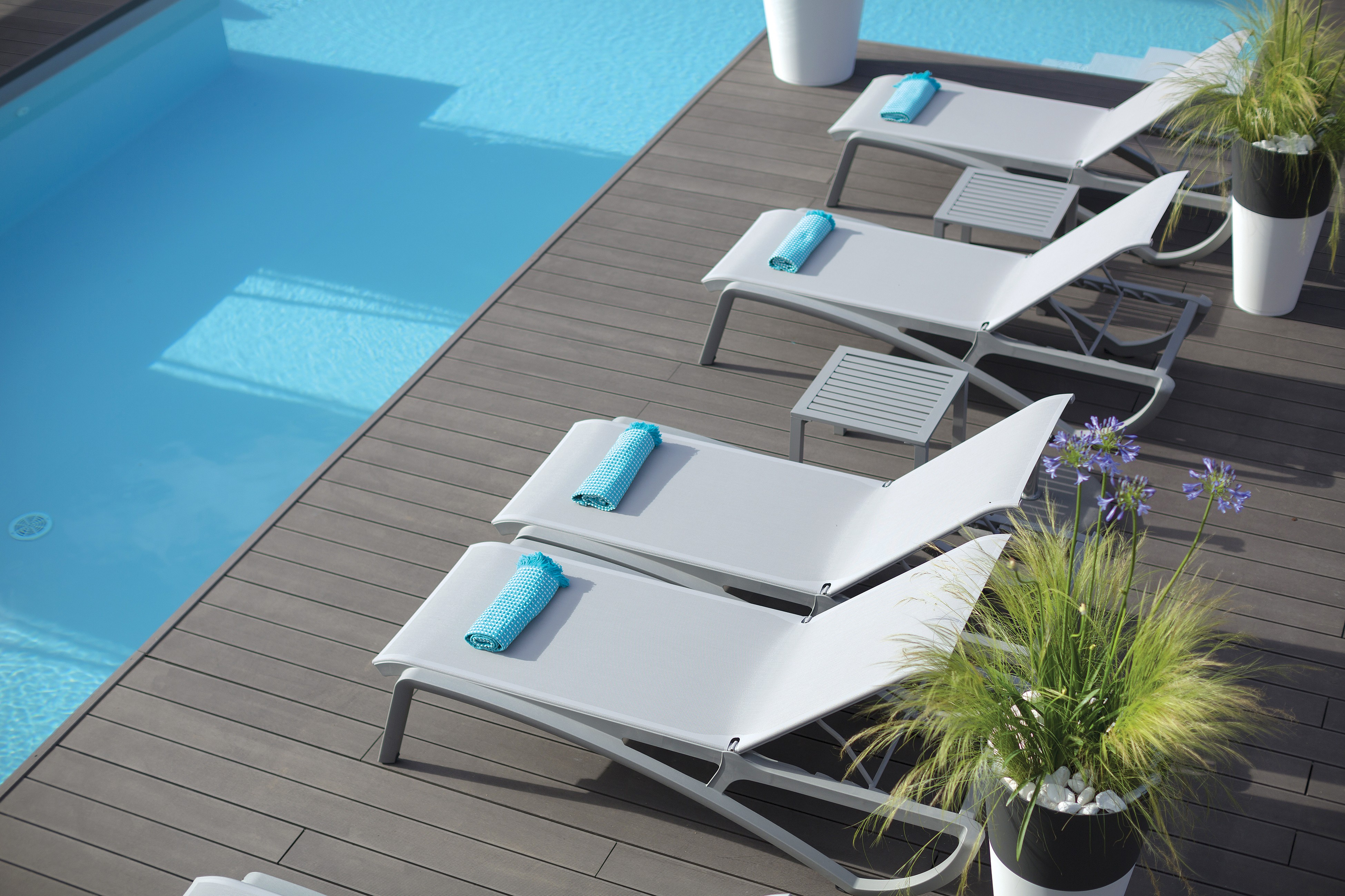 Sunset Chaise Lounge Solid Gray Platinum Gray